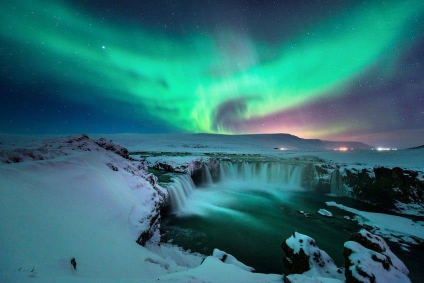 איסלנד - בין נופי בראשית